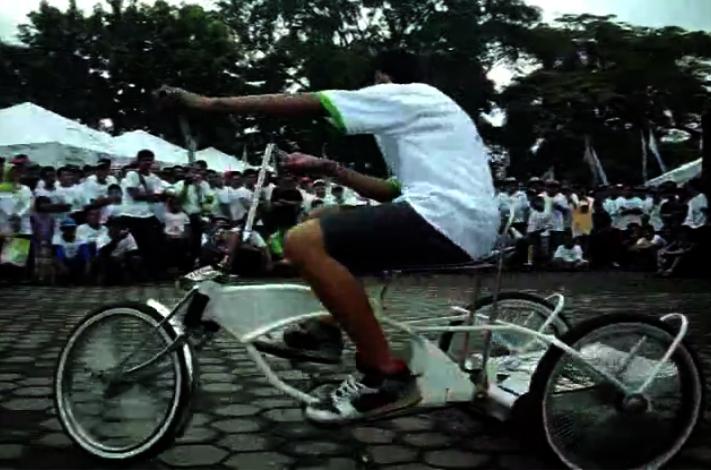 Crazy Trike Tricks