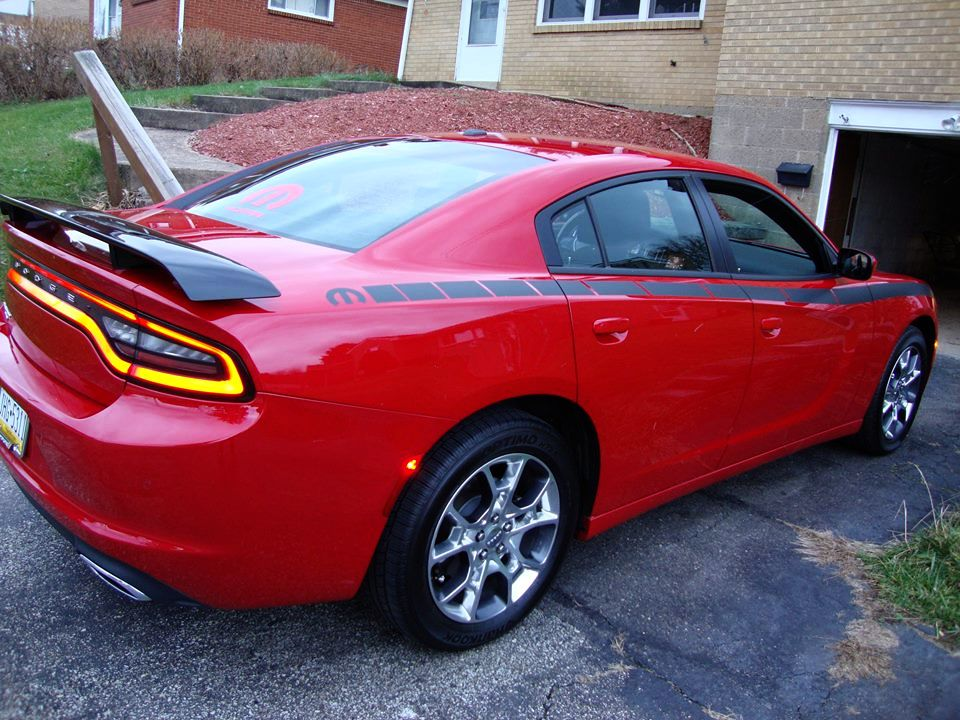 2015-awd-dodge-charger-loaded-custom-strobe-stripes-and-custom-spoiler2