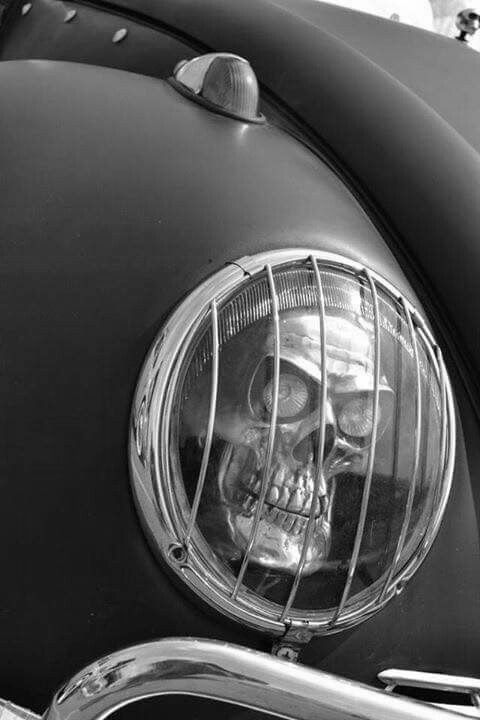 rat-rod-skull-headlightgreyscale